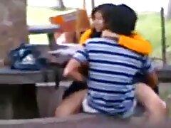 دختر جوان به دلیل رابطه جنسی ، مرد سیاه کانال تلگرام فیلم سسکی قدرتمندی را به خانه خود فریب می دهد