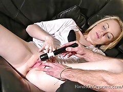 دانش آموز Busty با الاغ و مقعد عمیق برای اجاره کانال سسکی در تلگرام اتاق می پردازد