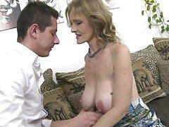 ستاره پورنو Busty لیزا آن به عنوان یک پیشخدمت با استعداد :) کانال تلگرام فیلم سسکی