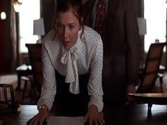 این مرد در عکس و فیلم سسکی حال آموزش یک خانم بالغ و دوست دختر جوان خود است و به زودی با مهارت آنها را فریب می دهد