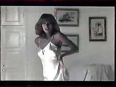 عوضی جوان کانال تلگرام فیلم سسکی در مقابل یک غریبه روبرو می شود