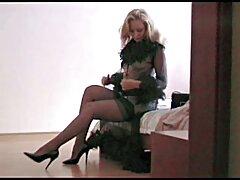زن فیلم خارجی سسکی بالغ چربی از بیدمشک در لباس زیر زنانه قرمز و شوهر شوهر برای فاک کردن استفاده می کند